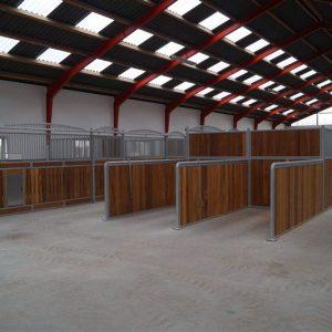 Ridecenter med hestebokse fra Rationel